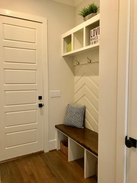 Stillwater Apex - Lot46, Owner's Entry, Mudroom